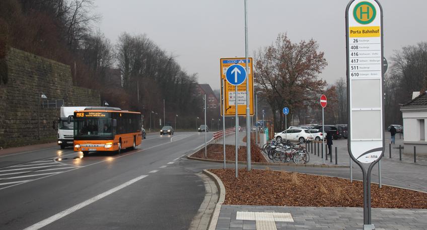 Umbau des Vorplatzes am Bahnhof Porta Westfalica abgeschlossen