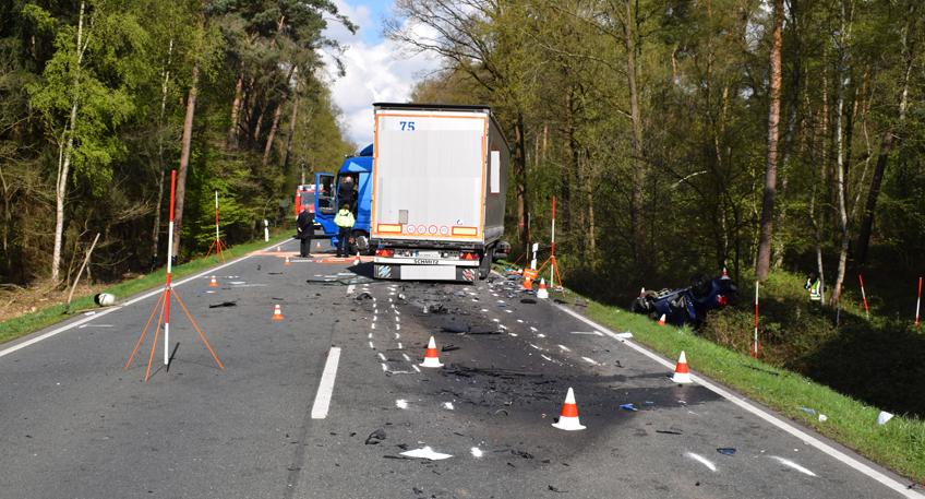 Tödlicher Verkehrsunfall - Ehepaar ums Leben gekommen