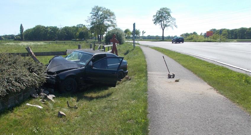 Fahrerin verliert Kontrolle über Auto