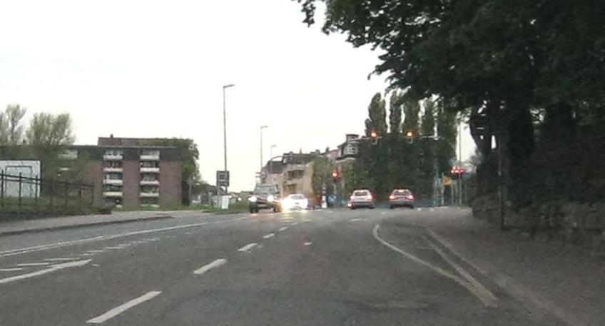 Unfall auf Viktoriastraße - Zeugen gesucht