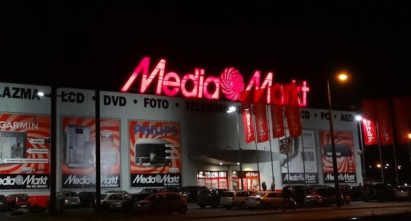 Nachrichten Porta Westfalica Einbruch In Media Markt Loch Ins