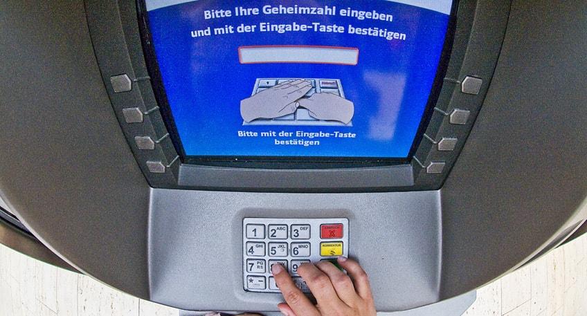 Manipulierte Geldautomaten und ausspionierte Kundendaten
