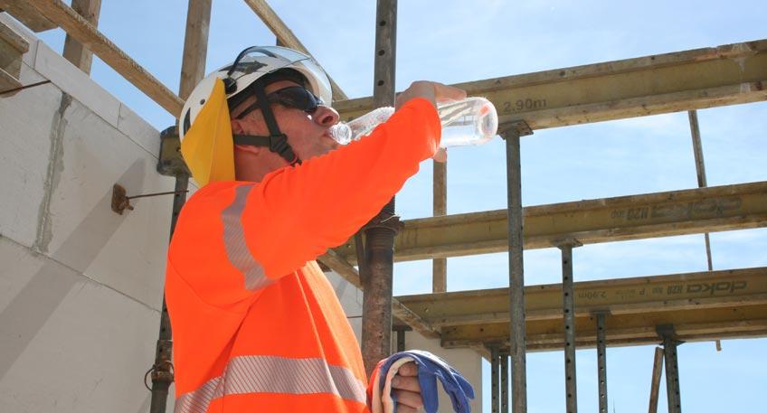 Arbeiten im Freien - Was tun, wenn die große Hitze kommt?