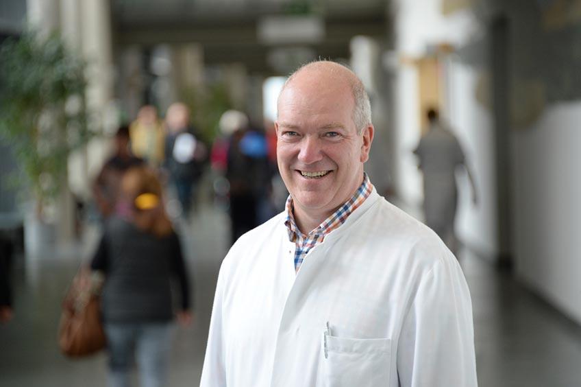 Professor Dr. Schmitz
