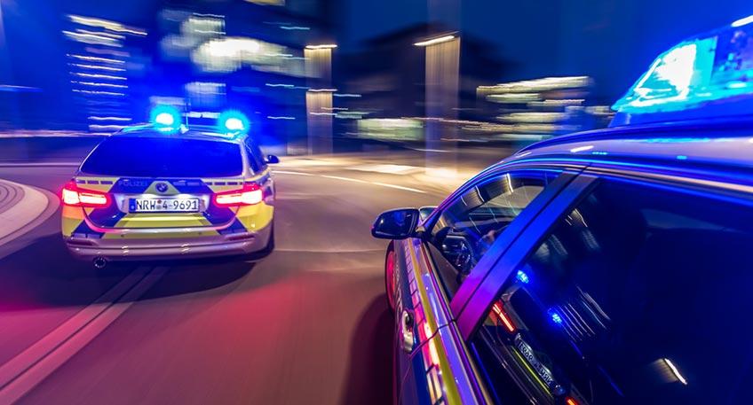Bei einem Einsatz des Verkehrsdienstes am Wochenende haben die Beamten am Freitagabend mehrere tausend Autos auf der Ringstraße überprüft. Auch die Auffahrt zum Kaiser-Wilhelm-Denkmal rückte zum wiederholten Male am Samstagabend in den Fokus der Gesetzeshüter.
