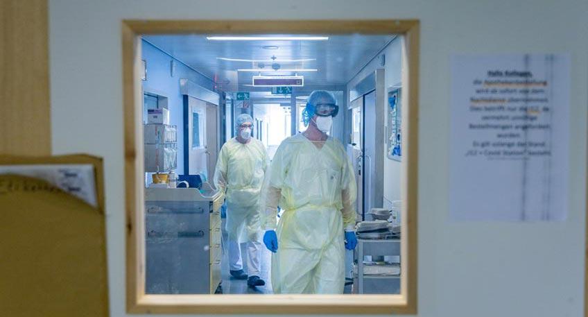 Im Johannes Wesling Klinkum werden aktuell wieder jüngere Corona-Patienten auf der Intensivstation behandelt, sie haben zum Teil einen schweren Krankheitsverlauf.