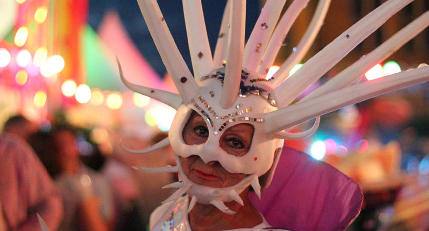 """Vom 25.-26. September wird die Mindener Innenstadt zur größten Kulturbühne der ganzen Region. Dann werden auf neun Kulturinseln und mit Walking Acts heimische und auswärtige Künstler ein """"Kulturfeuerwerk"""" in der ganzen Stadt zünden."""