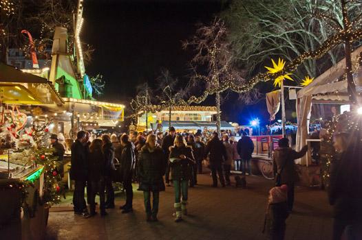 Bad Oeynhausen Weihnachtsmarkt.Nachrichten Bad Oeynhausen Eislaufbahn Mit Weihnachtsmarkt Hallo