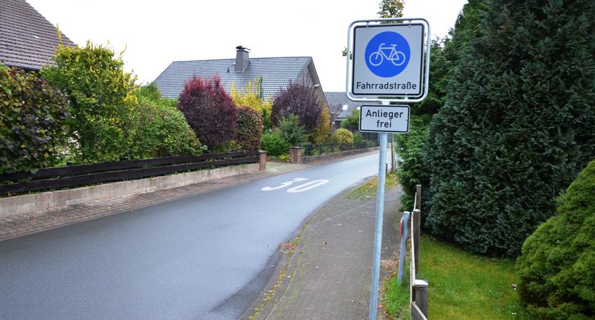 nachrichten bad oeynhausen neue fahrradstra e eingerichtet fahrr der haben vorrang vor autos. Black Bedroom Furniture Sets. Home Design Ideas