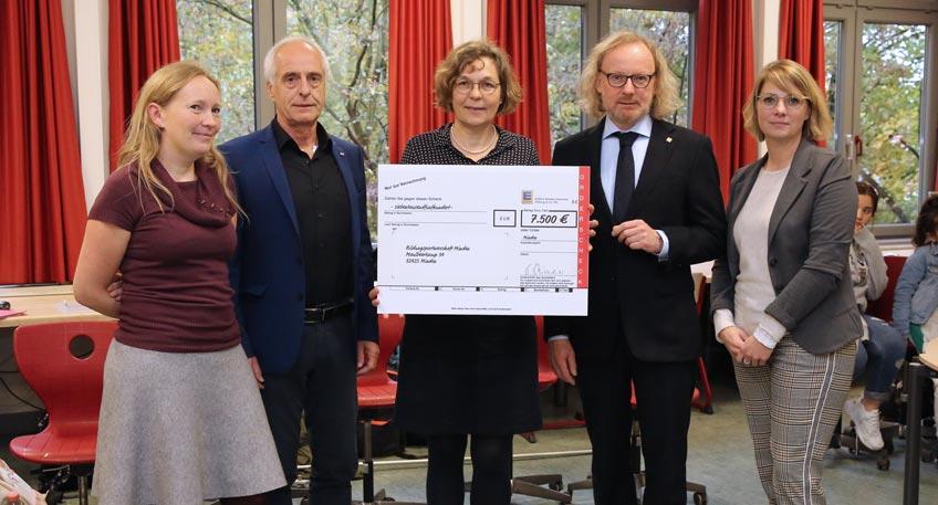 Nachrichten Minden Edeka Minden Hannover Spendet 7 500 Euro An Die Bildungspartner Hallo Minden